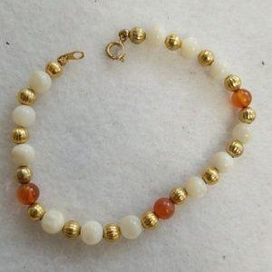 Mother of pearl & Carnilian stone bead bracelet